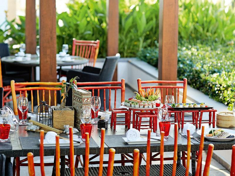 Tisch gedeckt Asiatisch Entspannter Außenbereich mit Restaurant GRECOTEL CRETA PALACE